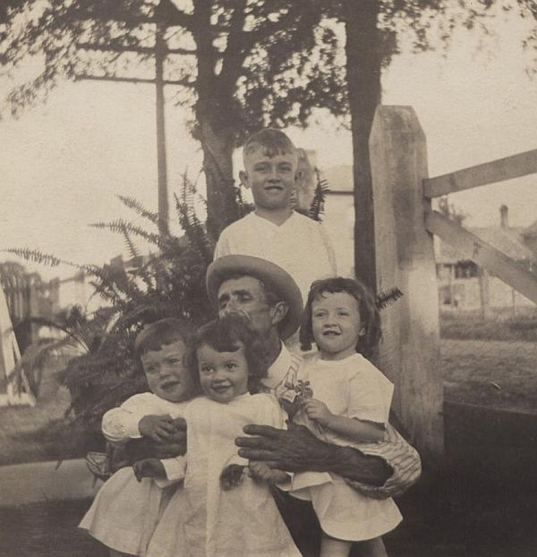 Uncle Son, Nonnie, Aunt Dorothy, John Anderson, and William Norman