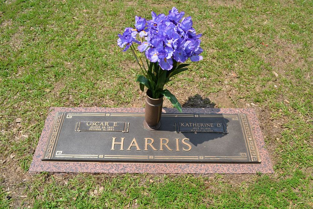 Oscar E and Katherine D Harris Headstone